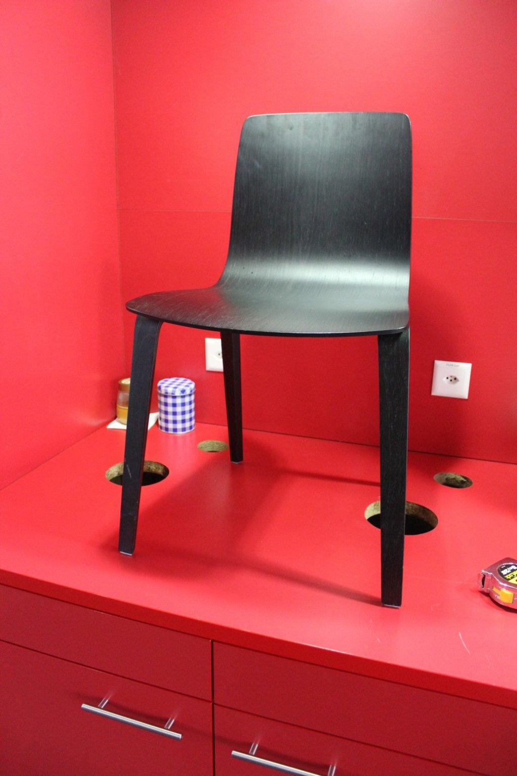 stuhl finnisches design schwarz rewinner
